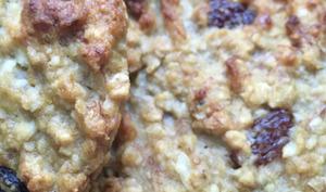 Biscuits aux flocons d'avoine, banane et fruits secs