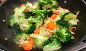 Riz sauté au brocoli