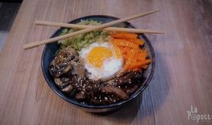 Bibimbap bœuf, brocolis, champignons, carottes
