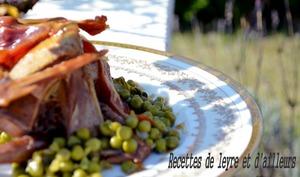 Pigeon farci au foie gras et au pain d'épices, petits pois