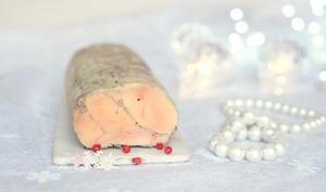 Foie gras maison à la vapeur aux baies roses