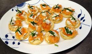 Blinis ou pain de seigle au saumon fumé