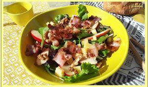 Salade de pomme lard noix et Comté