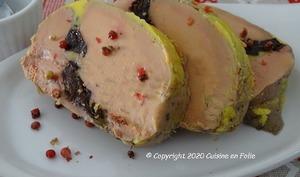 Foie gras mi-cuit au micro ondes aux pruneaux et au piment d'Espelette