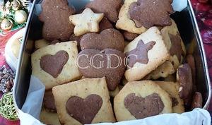 Biscuits de Noël chocolat noisettes et cannelle