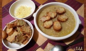 Soupe à l'oignon gratinée au comté