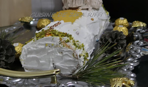 Bûche Chantilly au fromage blanc petits suisses et ananas caramélisé
