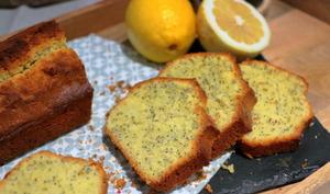 Cake moelleux au citron et graines de pavot