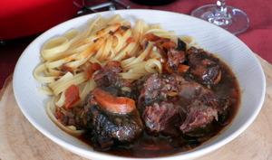Joues de bœuf aux 4 épices, sauce barbecue et rhum