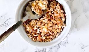 Granola à l'ananas et noix de coco