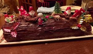 Bûche de Noël trois chocolats et framboise