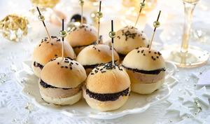 Mini burgers foie gras confit olives