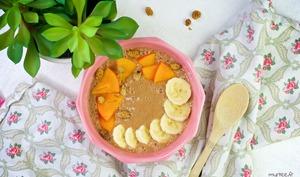 Smoothie bowl banane-caroube