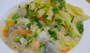Blanquette de lotte, crevettes et Penne