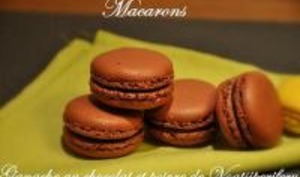Macarons au Chocolat et Poivre Voatsiperifery