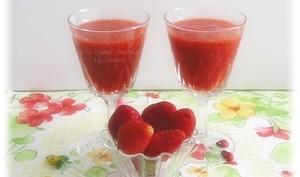 Soupe de Fraises à l'Hibiscus et aux Épices