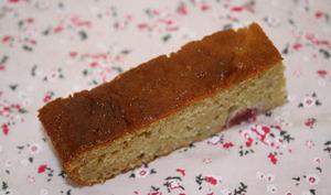 Gâteau amandes-citron-framboises