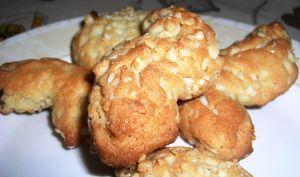 Petits biscuits aux éclats de noisettes