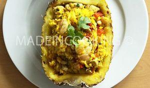 Riz à l'ananas, poulet et crevettes-Khao phad sapparod