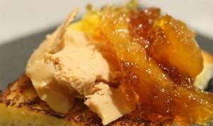 Foie gras sur pain perdu et chutney de mangue