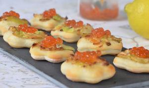 Mini pizzas poireaux oeufs de saumon