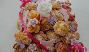 La pyramide de roses en pâte feuilletée