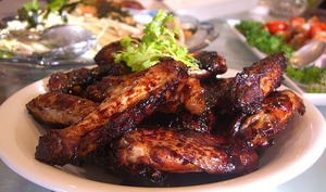 Ailes de poulet marinées, cuites au barbecue ou à la plancha