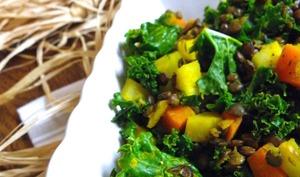 Poêlée de chou kale, lentilles vertes, panais et carotte au curcuma