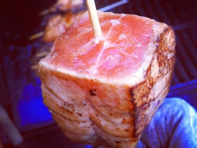 Brochettes de saumon au romarin, aux pommes de terre nouvelle