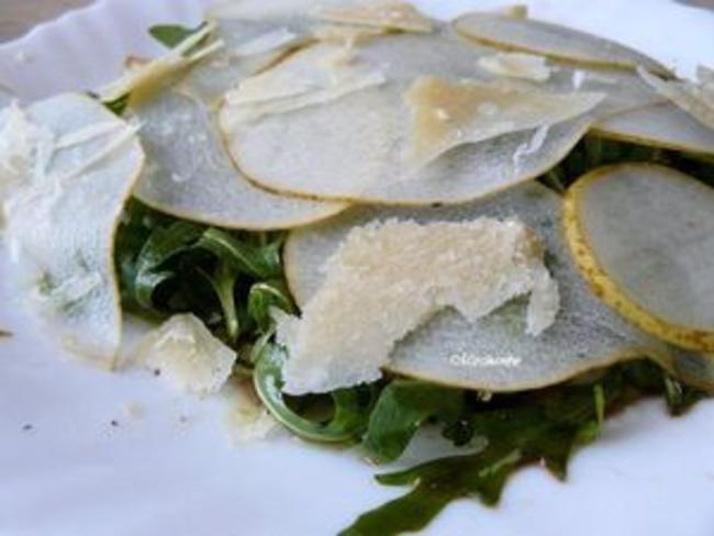 Salade roquette, poire et Parmesan