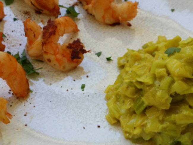Crevettes en escadrille et sa compotée de poireaux au curry