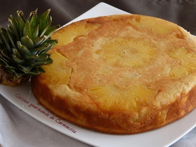 Gâteau d'ananas et mangue flambé au rhum