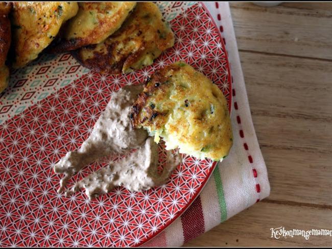 Croquettes de purée AVR à la courgette au parmesan , sauce crémeuse à la tapenade d'olives aux tomates séchées