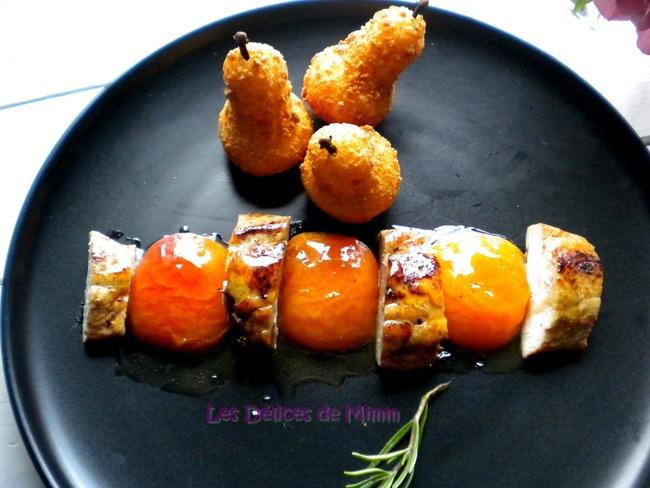 Filets de pintade, abricots caramélisés au miel et romarin