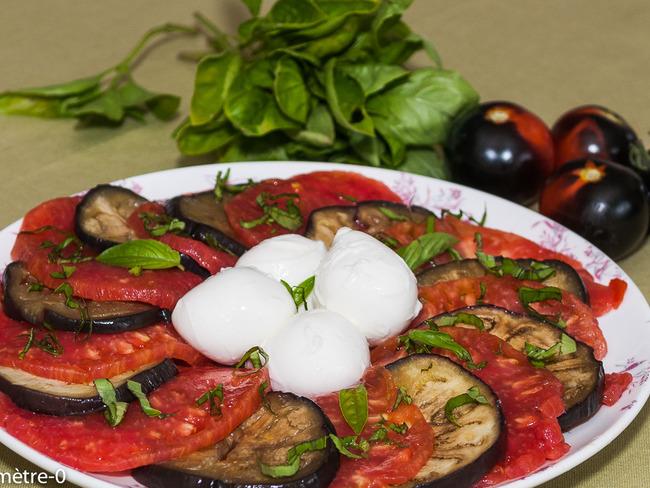 Salade de tomates, mozzarella et aubergines
