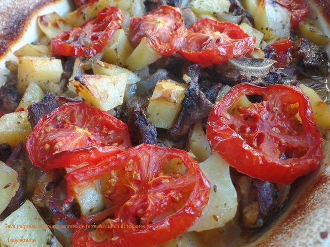 Tava - agneau au four, pommes de terre au cumin et tomates