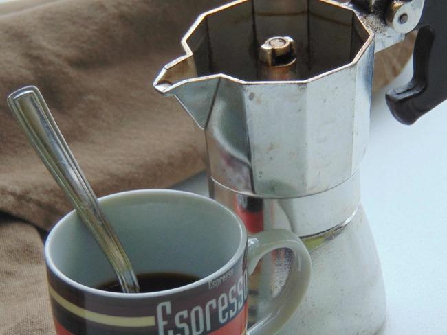 Comment faire du café avec une cafetière Moka