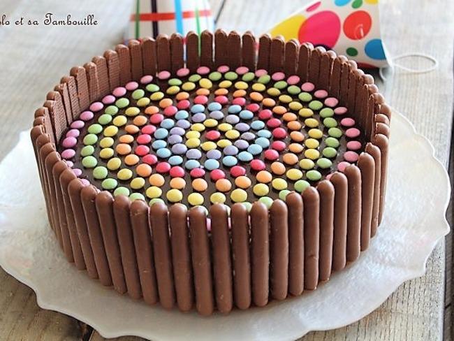 Gateau D Anniversaire Au Chocolat Et Smarties Recette Par Lolo Et Sa Tambouille