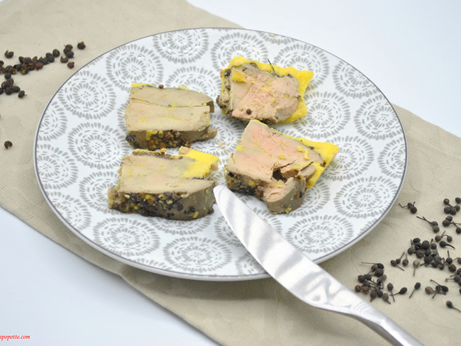 Foie gras aux deux poivres