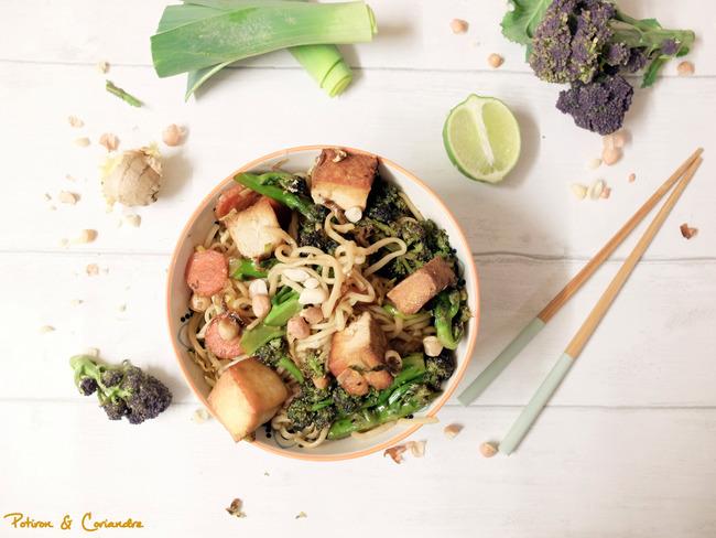 Nouilles sautées au brocoli et tofu