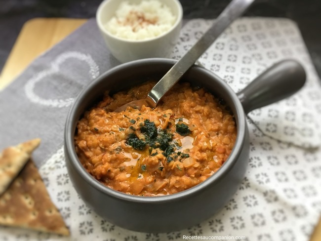 Dhal de lentilles corail lait de coco curry rouge