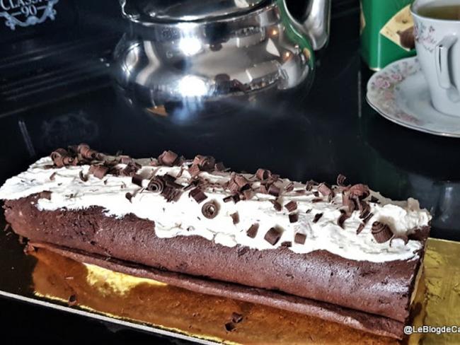 Roulé au cacao et crème au beurre de cacahuètes