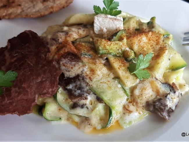 Courgettes sautées au Rocamadour et à la viande séchée