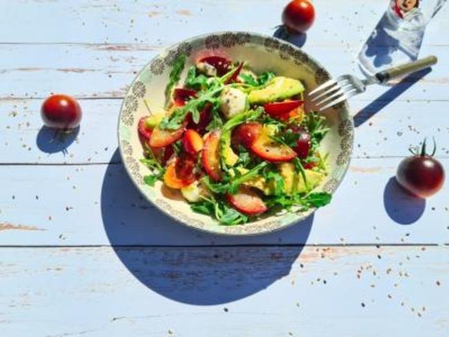 Salade roquette et prune