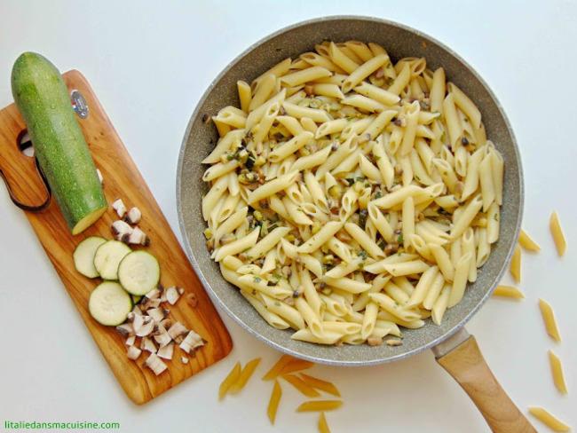 Pâtes aux courgettes et aux champignons