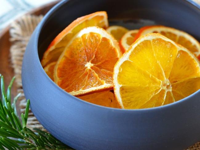 Oranges en tranches séchées au four