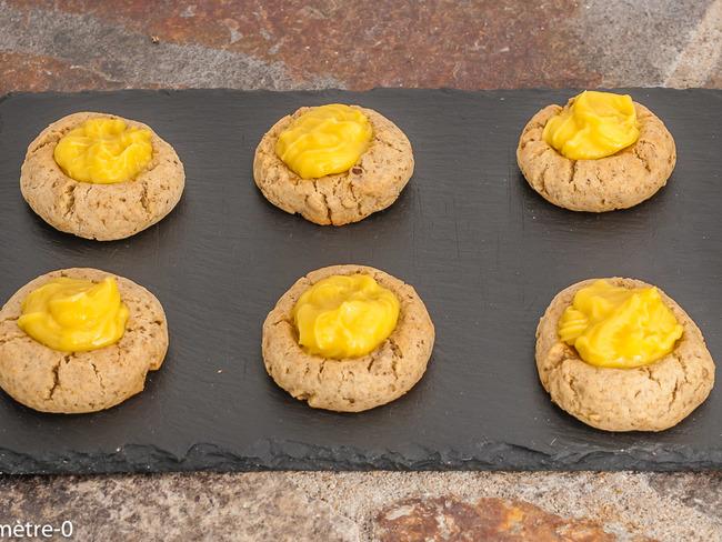 Biscuits aux noix au lemon curd