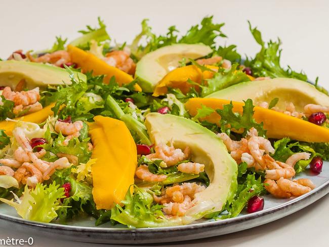 Salade d'hiver aux crevettes et fruits