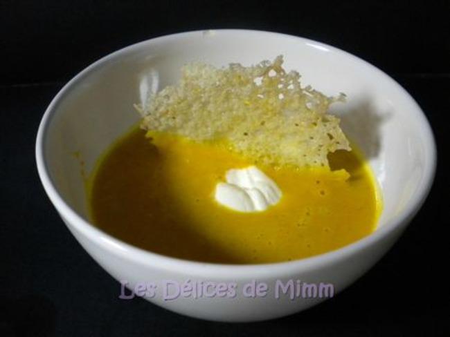 Crème de potimarron rôti et chips de Comté