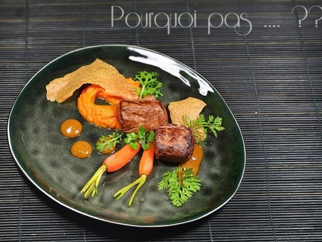 Chevreuil carottes, moutarde mangue miso, tuile d'épeautre